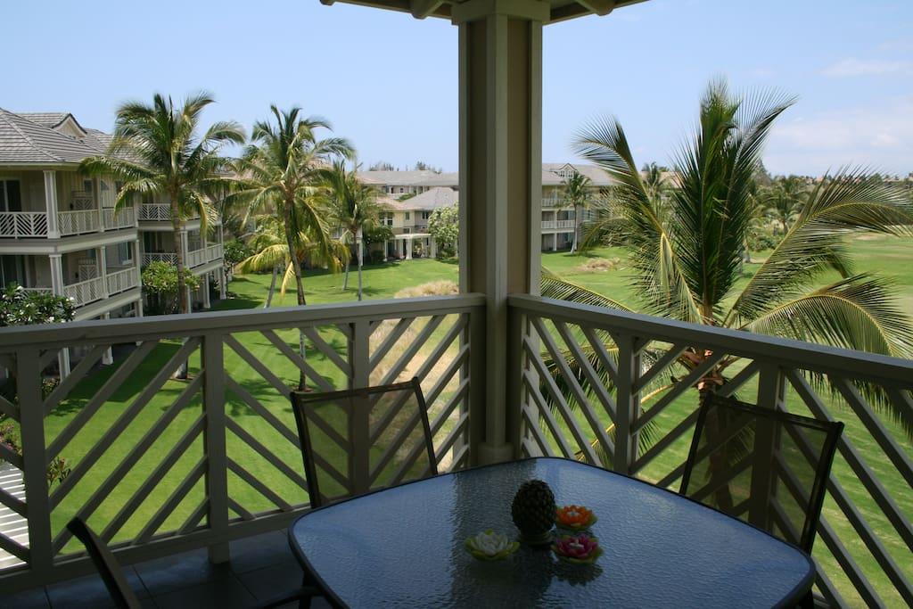 Building,Villa,Balcony,Deck,Porch