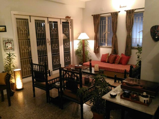 A cheerful, secure & pocket-friendly experience! - Kolkata - Apartamento