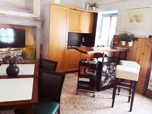 Zona giorno e cucina #cortedalcastello