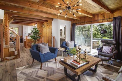 Whispering Pine | Modern Luxe, 3 Level, 2,000 sqft, 2 Decks, View, In Village