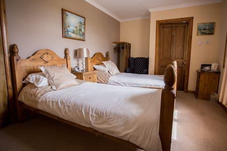 Eskview Farm B&B Twin Room - Bed & Breakfast