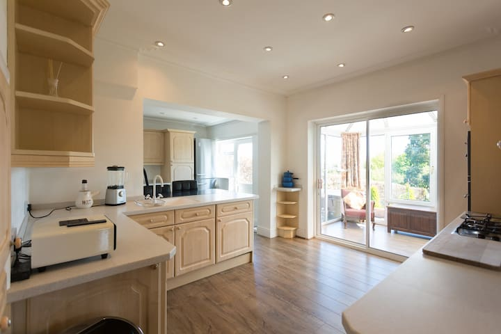 Outstanding detached holiday home ..