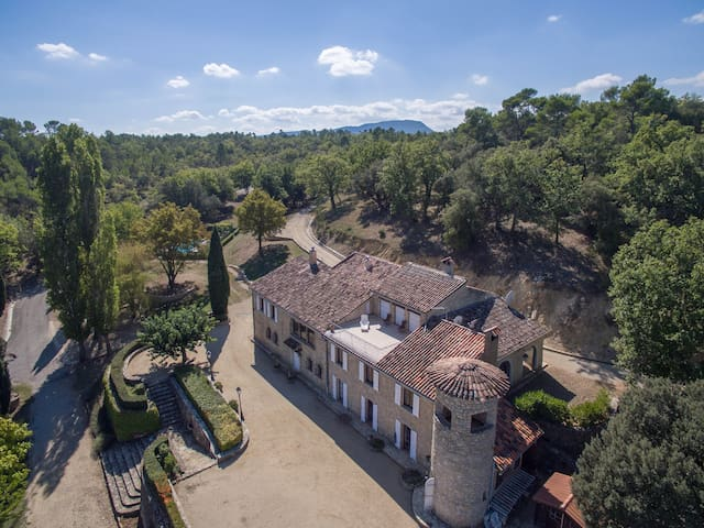 Beautiful Provencal holiday estate - Fox Amphoux - House