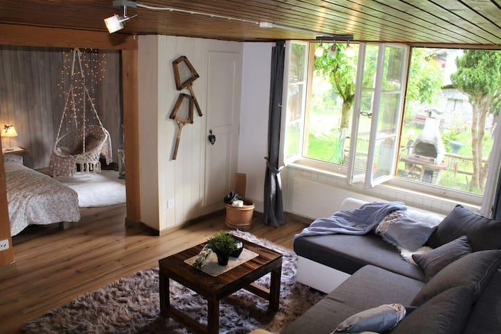 """Lovely cozy sweet Home""  Natur, Berge,Quellwasser"