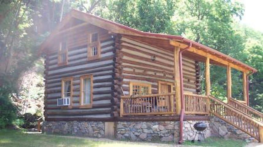 Limestone Cabin - Hot Springs - Casa