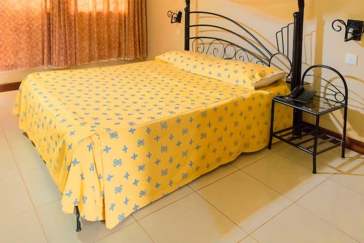 SOROTI HOTEL 2001 - UGANDA