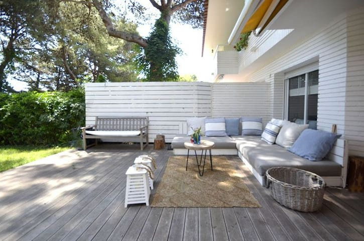 Exclusive apartment in ground floor, with big private garden, situated in one of the best