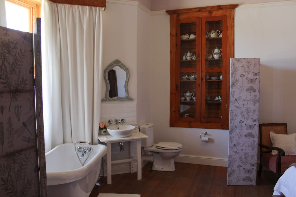 Private Room - Room 1 - Open-plan victorian bathroom)