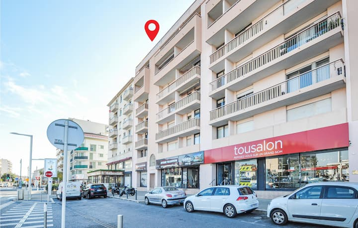 Beautiful apartment in Cannes-la-Bocca with WiFi and 1 Bedrooms