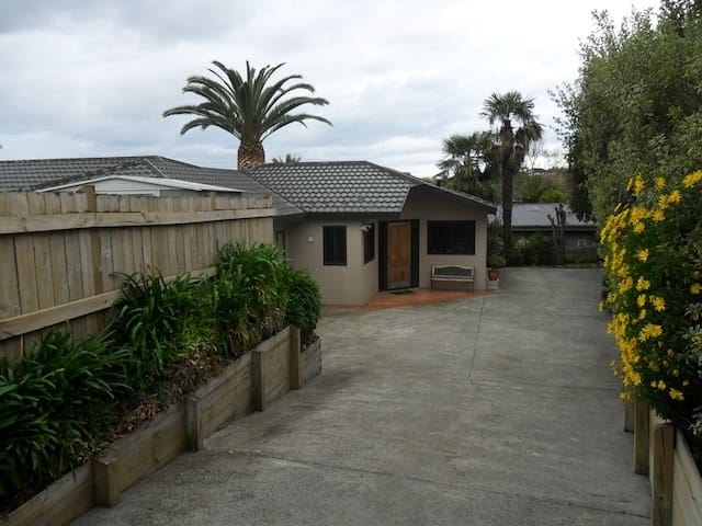 Lovely quiet and secluded home in Havelock North