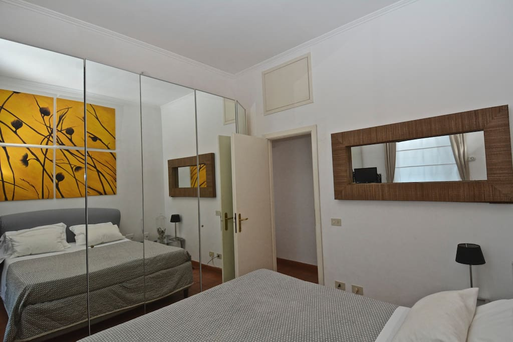 King size double bed at Spanish Steps Rome