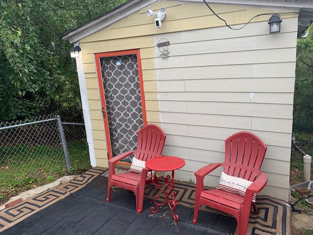 Pied -'a- terre,Tiny house, our Enchanted Cottage