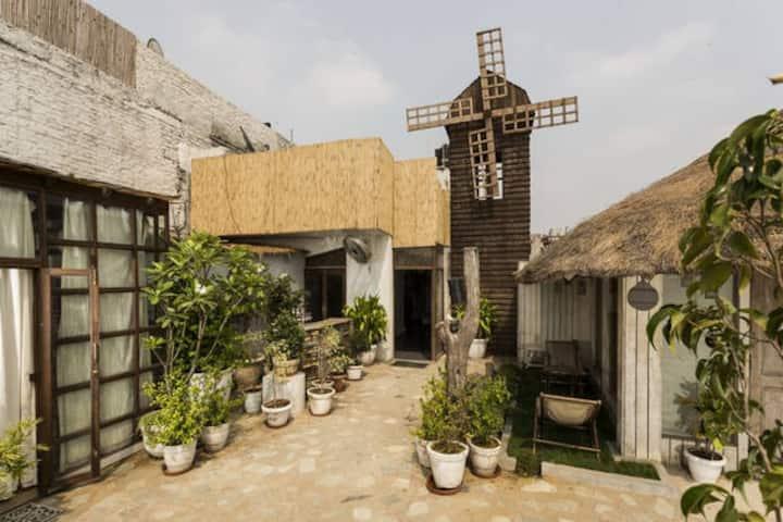 The Lazy Patio - Hauz Khas Village