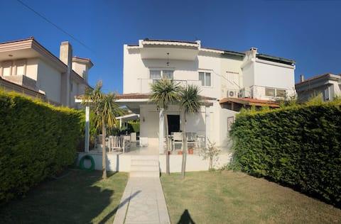 Detached House for Rent in Alaçatı