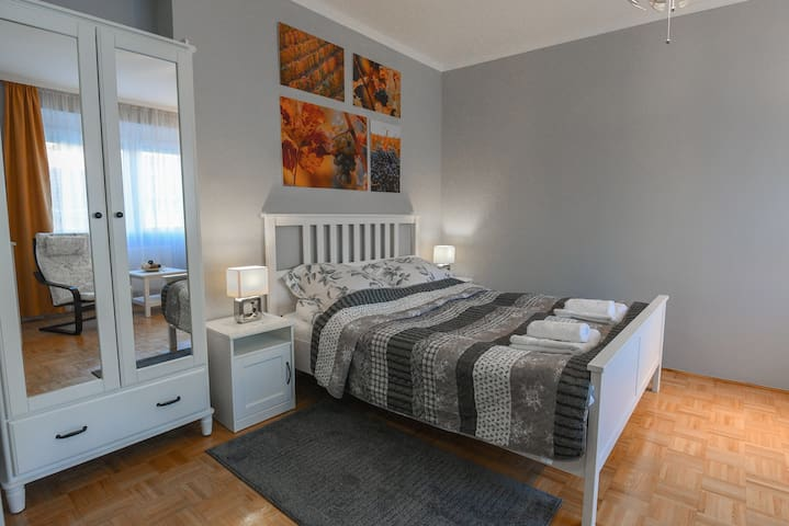 Vitalis Piccolo Apartman - A vár szomszédságában