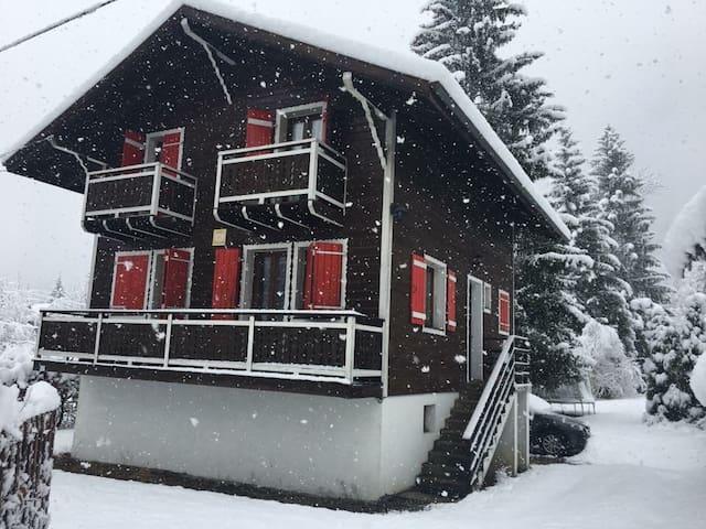 Mont Blanc summer/ski chalet for 10 - Saint-Gervais-les-Bains - House