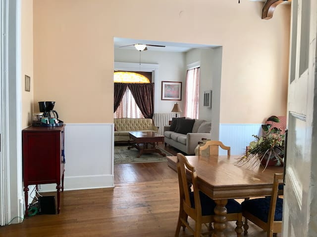 TheCastleOnRoanoke: 2BED/2BTH Apt. All to Yourself