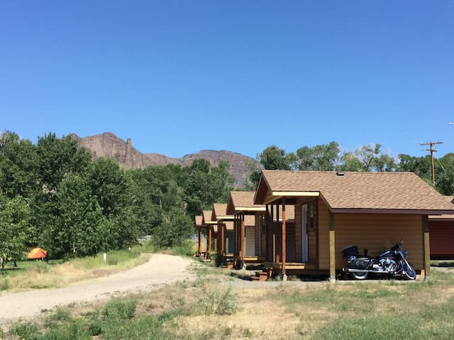 Twin Cabin 4 of 6