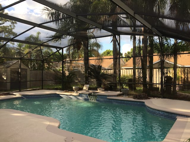Private Palace in Central Orlando with Pool - Orlando - Villa