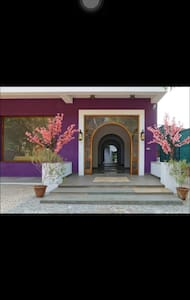 Hotel with Complete Chinese atmosphere - Periyamudaliyar chavady
