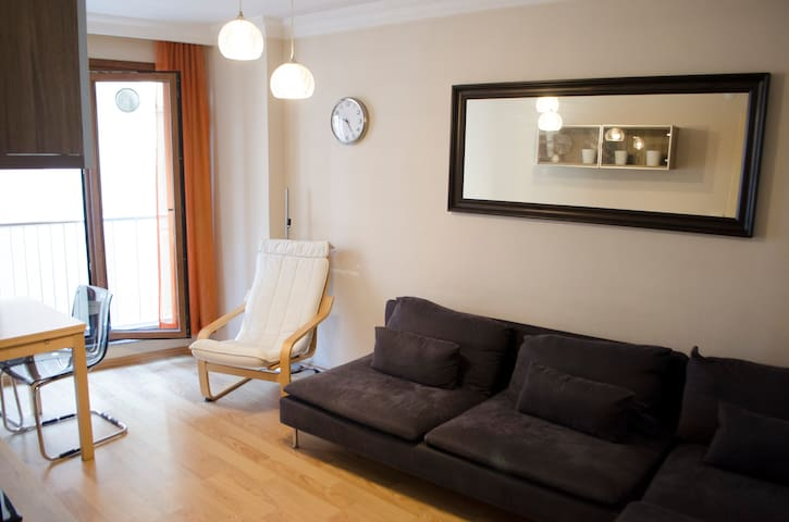 MU-Cosy Apartment, the Center of Istanbul, Levent