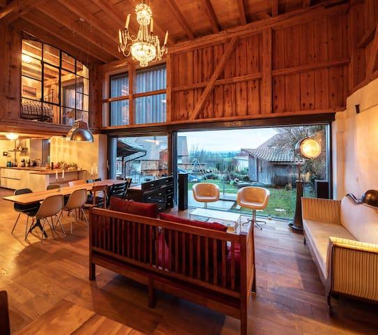 Livinng room to share with host family - Wohnzimmer zum gemeinsamen Gebrauch mit der Gastfamilie