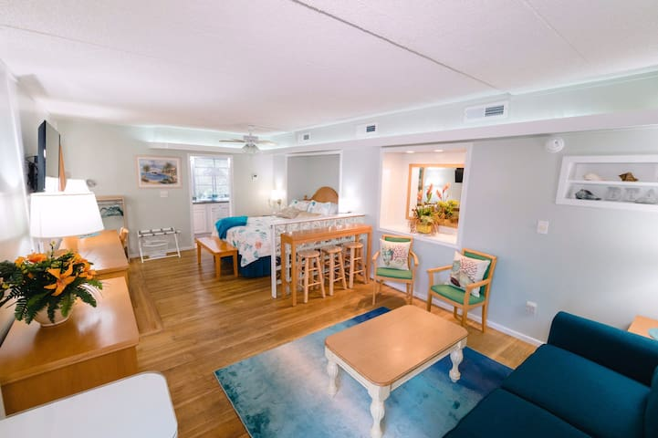 Intercoastal Waterway Studio Apartment!