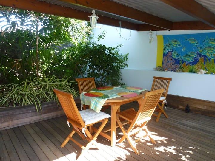 Appartement rez de jardin,   pergola couverte