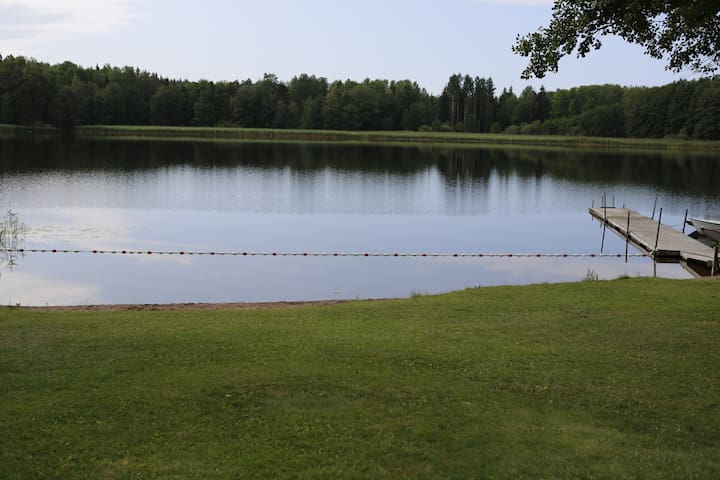 LUNDA Lake front  cottage
