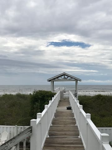 *OCEANFRONT* OIB Surf Club Pet Friendly!