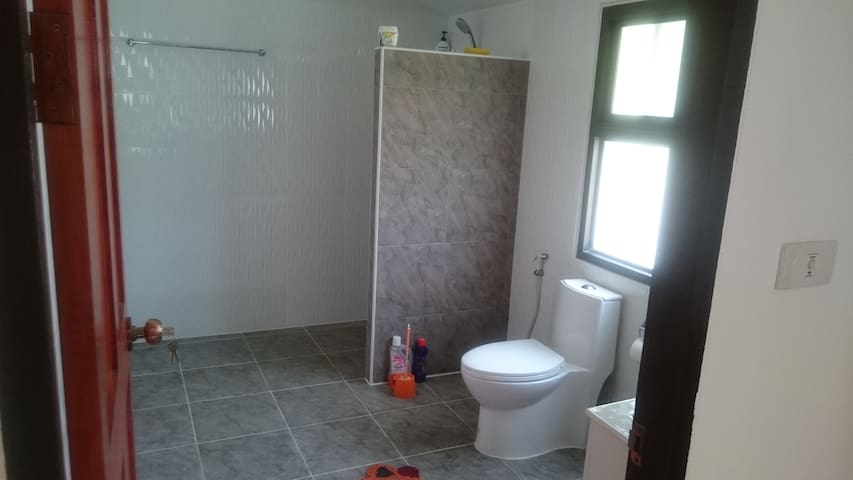 Second showerroom