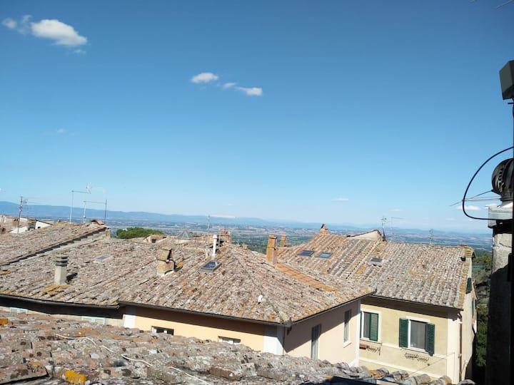 Romantica mansarda nel cuore di Montepulciano