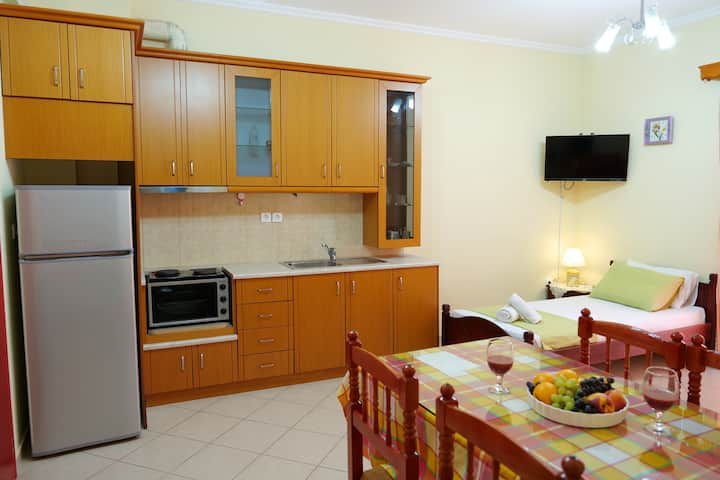 Stunning 2-Bed Apartment in Sarandë