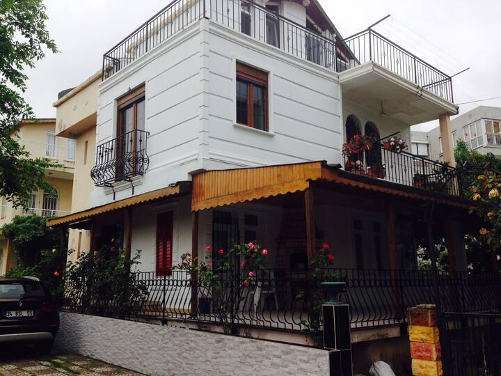 Kumburgaz villa denize çok yakın ve uygun fiyatlı