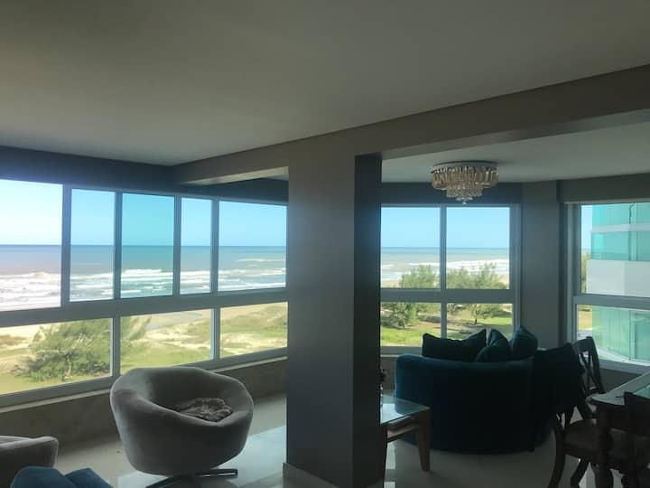 Luxo com vista para o mar