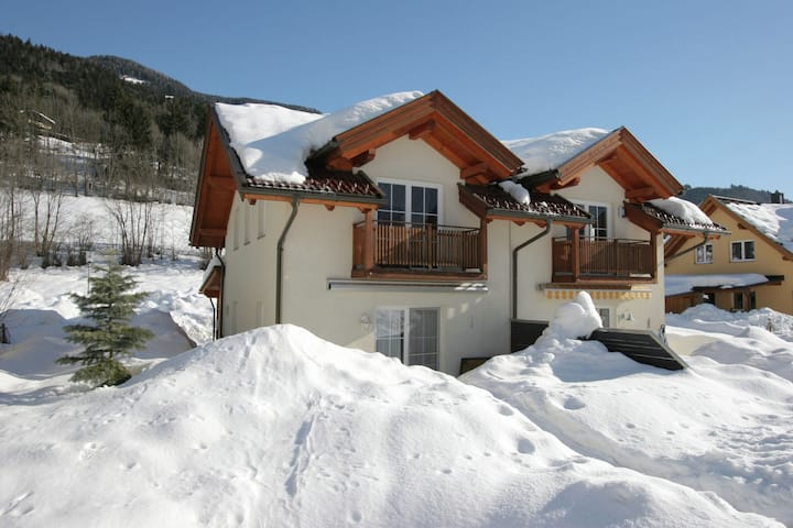 Cozy Holiday Home in Arnoldstein near Ski Lift