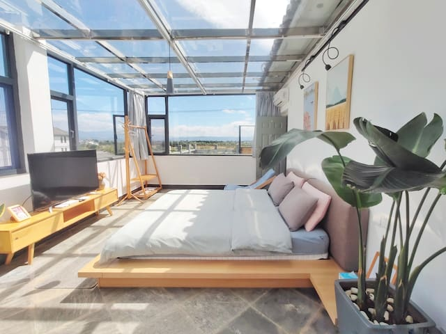 Romantic sky room with perfect view of Cangshan