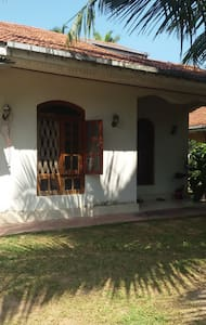 Easy way home rental services - Katunayake - Casa