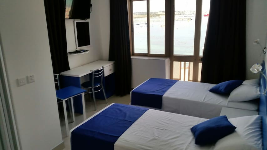 Rooms  for rent with seaviews Pretty Bay Buga