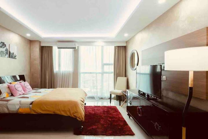 Comfortable & Relaxing DT Kemang Vilage Studio