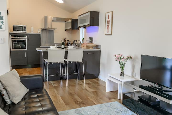 10 The Towans 1 Bed Apartment Nr Constantine Bay