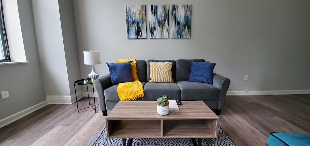 Bright and Spacious 1BR Apt