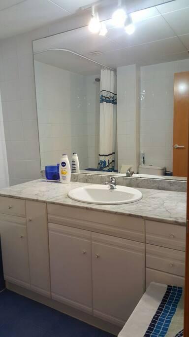 baño  bathroom salle de bains