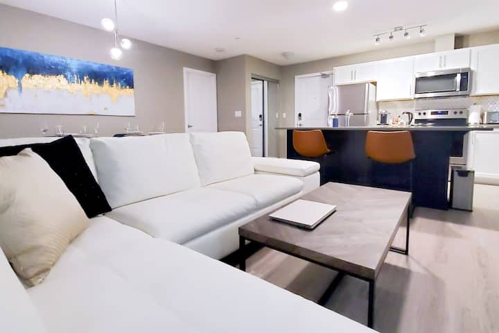 New & Modern Condo in Windermere, 3 Beds 2 Baths