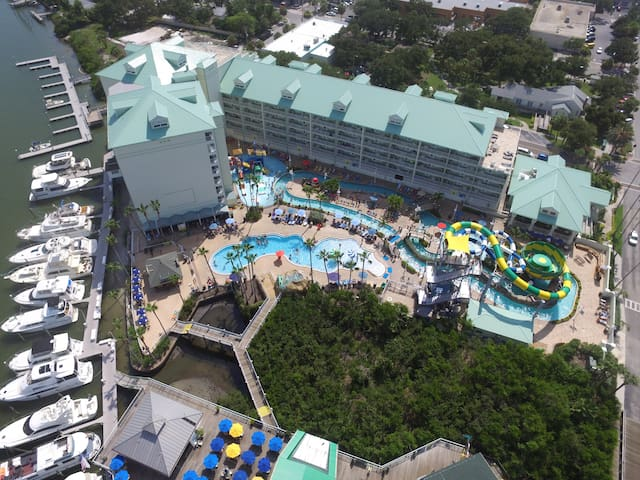 4 free passes to water park included