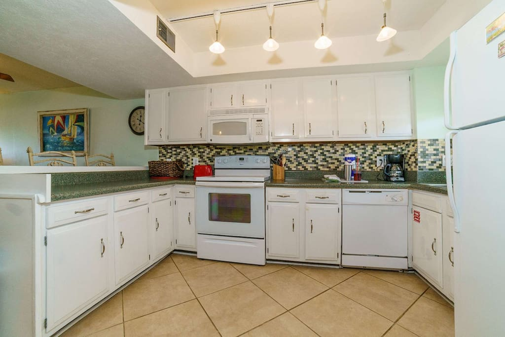 Enjoy cooking your meals in this fully stocked kitchen