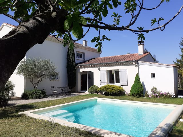 Villa piscine-jardin à Montélimar