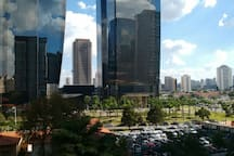 Predios Corporativos. Edifício EZ Towers - R. Arquiteto Olavo Redig de Campos, 105  KPMG.