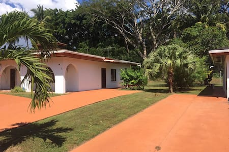 2 bed beach house - Villa 5 - Parrita