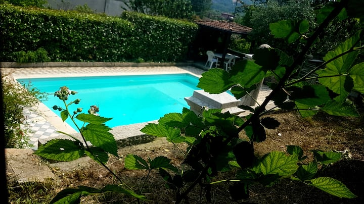 Villa nel verde ai Ronchi, Gavardo.